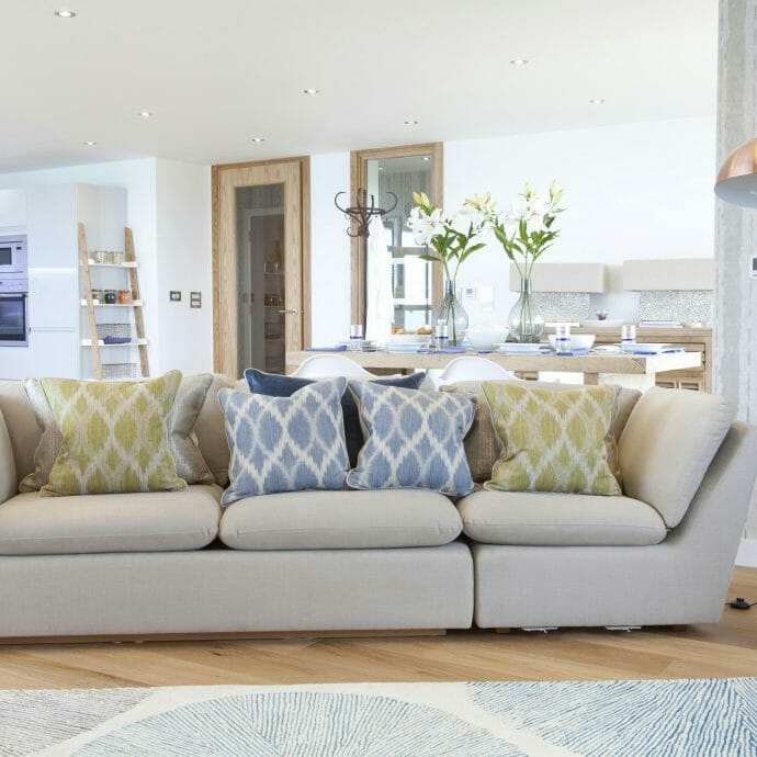 Trying to sell an unfurnished property? Read our Design tips.
